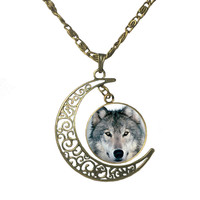 Wolf head Cabochon glass necklaces and pendants Vintage Bronze hollow half - moon pendant necklace chain jewelry for women BR1