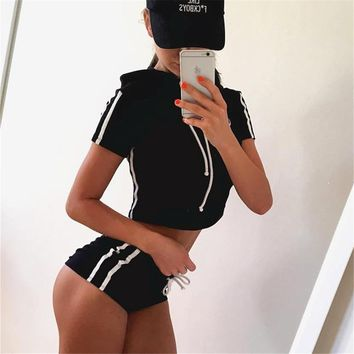 2 Piece Set Suit for Fitness (Crop Top and Short)