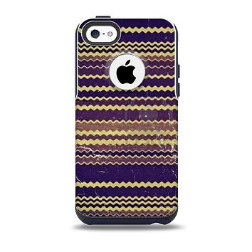 The Grunge Colorful ZigZag Striped Skin for the iPhone 5c OtterBox Commuter Case