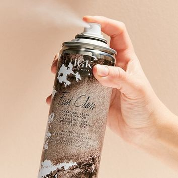 IGK First Class Charcoal Detox Dry Shampoo | Urban Outfitters