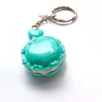 Mint green macaron keychain - polymer clay cute charm - miniature fake food - kawaii keychain - Fairy kei star - sweets clay macaroon charm