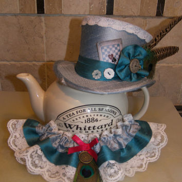 Mad Hatter - Steampunk mini top hat made with pure silk fabric and vintage trimmings