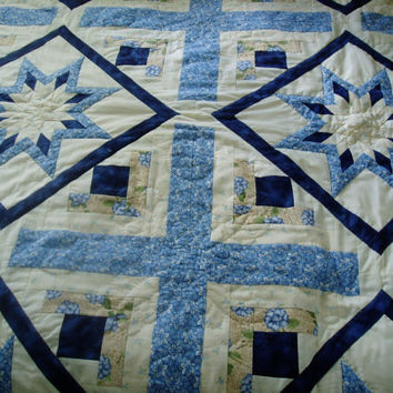 Quilt Star and Log Cabin bed quilt, hand quilted