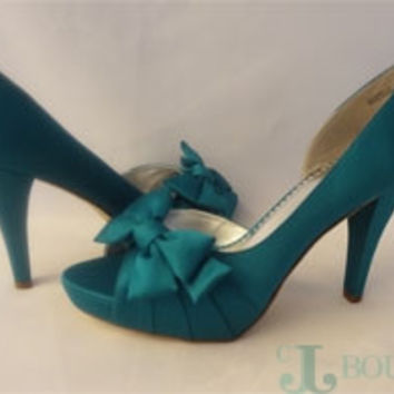 Michaelangelo Pumps Shoes With Bow