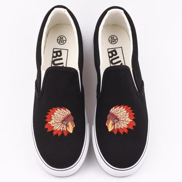 Indian Chief Custom Print Canvas Shoes Loafers Women Vulcanzied Shoe Slip On Indiana Style Indian Tribe Design Adults Lazy Shoes
