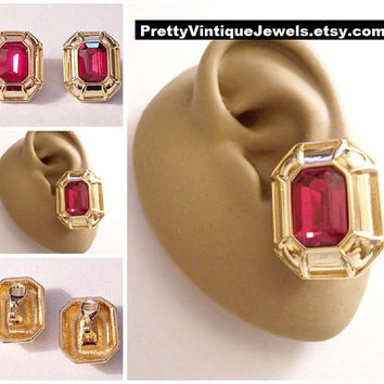 Monet Red Ruby Glass Stone Clip On Earrings Gold Tone Vintage Large Square Ribbed Picture Frame Big Button Disc Brushed Backs Comfort Paddle