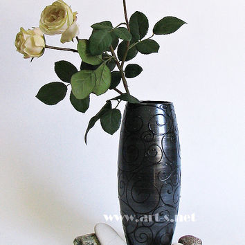 Hand painted glass vase- Black pearl. Black vase. Pearl. Unique Gift for wedding and birthday. Home decor. Gift for him. Gift for her. Vase