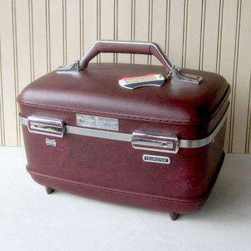 Train Case , Burgundy American Tourister , with Tray and Key , Hard Side Cosmetic Case , Vintage 80's...Near Pristine , Vintage Travel