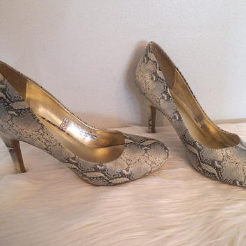 Vintage Faux Snakeskin Pumps ~ High Heel Snake Skin Shoes~ Size 10 ~ Python