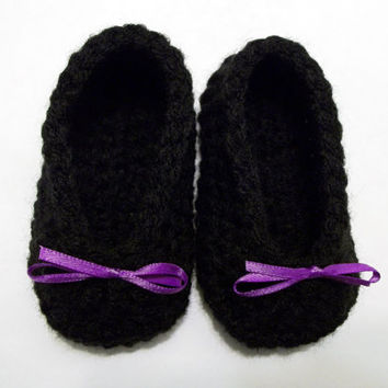 Black Baby Slippers, baby booties, Purple Bow, 0-3 months