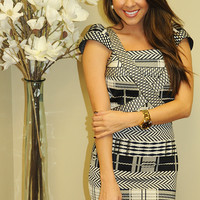 Out Of Bounds Dress: Black/White