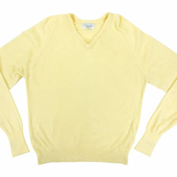 Vintage Pullover Sweater in Pale Yellow - V Neck Jumper Preppy Ivy League Menswear - Men's Size Medium Med M