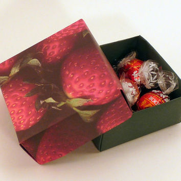 Set of 5 Gift Boxes, Party Favor Box, Origami Box, Handmade Box, Strawberries
