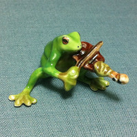 Miniature Ceramic Funny Frog Music Violin Animal Reptile Cute Little Tiny Small Green Figurine Statue Decoration Hand Painted Collectible