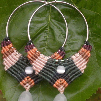 Handmade macrame earrings cavandoli style made with mexican opal beads