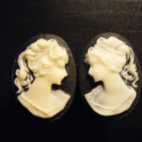 00 Gauge Black and Cream Cameo Plugs by XOheatherXO on Etsy