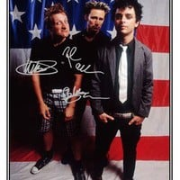 GREEN DAY- AUTOGRAPHED SIGNED POSTER  - GREAT PIECE OF MEMORABILIA