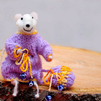 Needle Felted Animal, Felt mouse, Needle Felted Art Doll  - Adorable one of a kind needle felted miniature mouse!