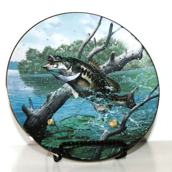 TROPHY BASS Collector Plate from The Angler's Prize Plate Collection - (#100.37)