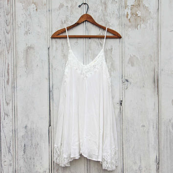 The Linden Layering Tunic in Snow