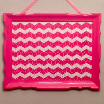 Girls hairbow holder hair bow organizer hair clip display headband storage teen bedroom decor pink white chevron bulletin board personalized