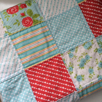 Floral Print Baby Quilt - Baby Blue - Crib Blanket - Modern Nursery Quilt - Handmade Baby Girl Bedding
