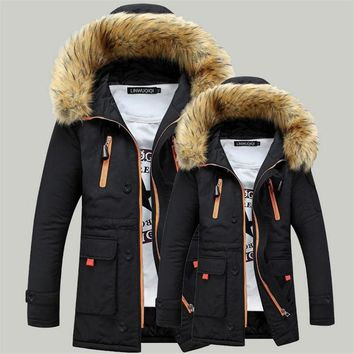 Men's Winter Parka 2018 Male Thicken Coats Fur Hooded Jacket Casual Mens Warm Windproof Long Outwear Couples Dress Cotton Black