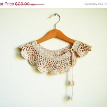 ON SALE Bridesmaid gift. Collar Necklace, crochet Peter Pan Collar Necklace,  crochet collar, powder pink collar,  Linen color.
