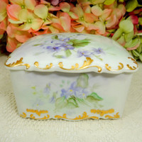 Limoges Porcelain Hand Painted Covered Dresser Hankie Box Lavender Gold