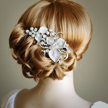 STACIA, Eye-Catching LARGE Rhinestone Flower Bridal Hair Comb, Art Deco Wedding Hair Accessory, Vintage Inspired Wedding Crystal Comb