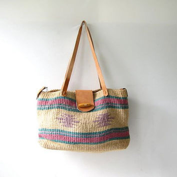 vintage woven market bag. farmers bag. jute / sisal shoulder bag. Tribal purse.