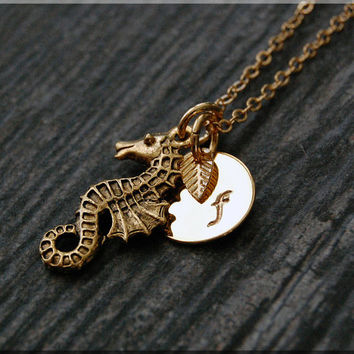 Gold Seahorse Charm Necklace, Initial Charm Necklace, Personalized, Sea Creature Charm, Seahorse Pendant, Ocean Jewelry, Beach charm
