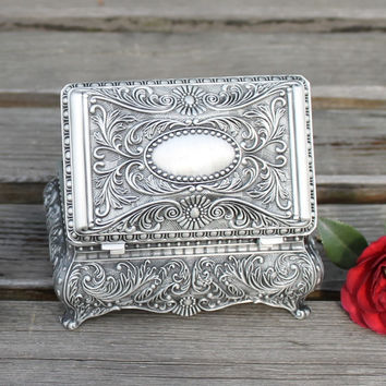 Free shipping pewter plated big size flower engraved metal jewellery box, zinc alloy trinket gift box, nice jewellery case
