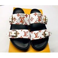 LV 2019 new wild flat flat with female outdoor sandals white