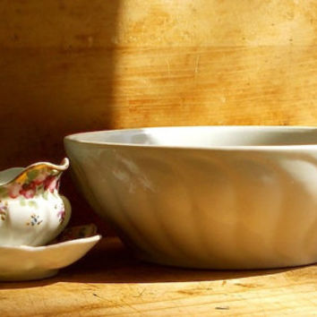 Antique Ironstone Mixing Bowl - White Iron Stone - Serving Dish - Excellent Condition - Country Cottage Decor