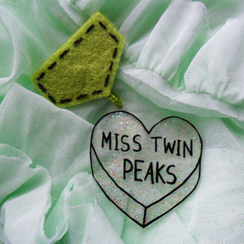 Dreamy Glitter Transparent Miss Twin Peaks Medal Scout Badge Pin Brooch