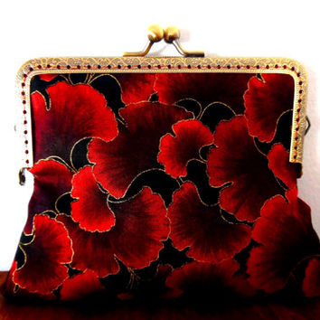 Red and black gingko leaf purse / maroon / metallic / sparkly / gold / leaf print / autumn / winter / gift / cosmetics bag / clasp purse