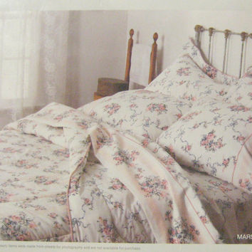 Vintage New King Flat Sheet, Utica Marsha Floral King Size Flat Sheet 200 TC