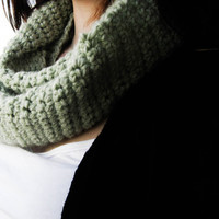 Green crochet infinity scarf, women winter cowl scarf, circle scarf, winter accessories, women clothing, teen clothing, handmade