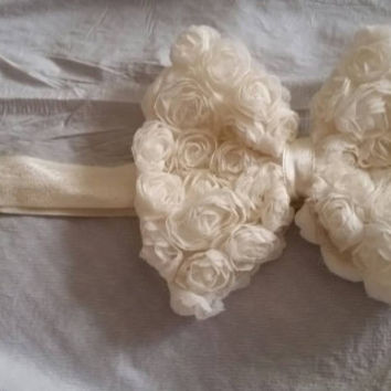 Cream or Off White Rosettes Bow Stretch Headband for a Little Girl or Teen Photo Prop Gifts for Her Flower Girl Hair Accessory