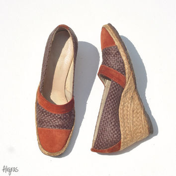 Vintage Espadrille Wedges // 1970s Raffia and Suede Shoes // Bohemian Wedges // Vintage Size 7