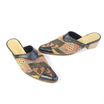 70s 80s Kilim Clogs Turkish  Shoes Woven Tapestry Slides Boho Ethnic Slip On Leather Mules Backless Clogs Carpet Rug Pointy Toe Flats (6.5)