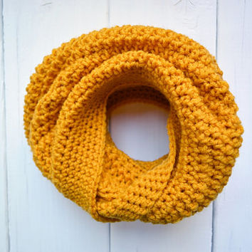 Mustard Crochet Cowl Yellow Honeycomb Chunky Infinity Scarf Knit Accessory Women Circle Neckwarmer Men Fall Fashion Winter Accessories