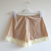 Vintage tap pants / panties / knickers coffee brown and cream nylon lace lingerie