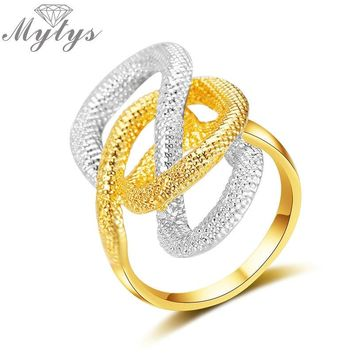 Mytys Silver and Gold Mix Color Two Tone Snake Design Irregular Ring for Women Fashion Trendy Jewelry Gift R1988