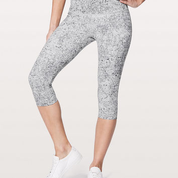 Wunder Under Hi-Rise 1/2 Tight *Full-On Luxtreme 17"