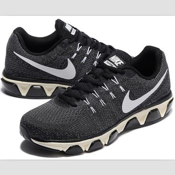 NIKE fashion knitted casual shoes sports running shoes Black / gray white