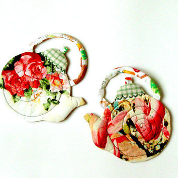 TEXTILE COASTERS, set of two, red roses