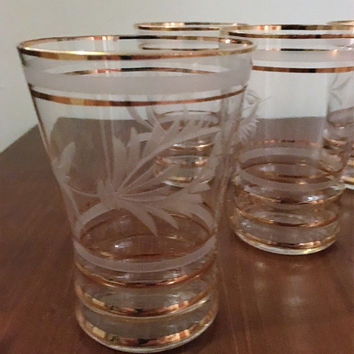 VIntage Retro 1950s Set of Five (5) Gold Rimmed Glass Tumblers with Etched Flowers / Mid Century Drinking Glasses