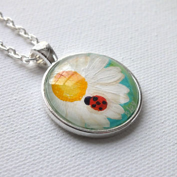 "Daisy & Ladybug Hand Painted Pendant, 1"" round mini acrylic painting set in a pendant tray"